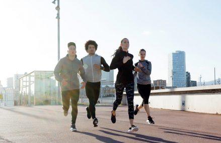Chạy bộ có tác dụng gì? Lợi ích của việc chạy bộ thường xuyên mà bạn nên biết.